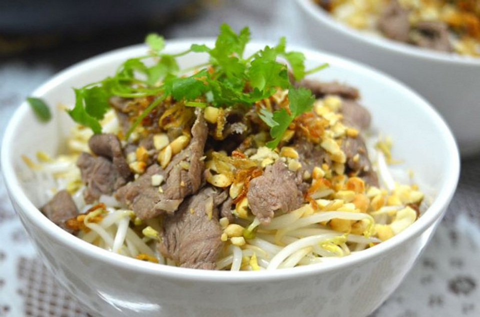 Bun Bo Nam Bo is a beef and noodle dish
