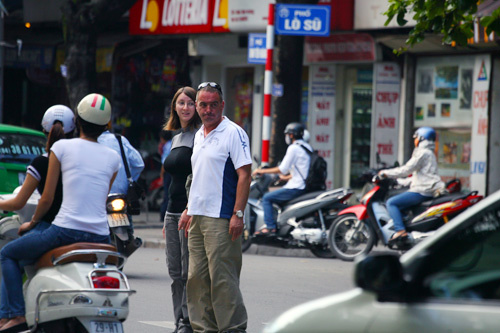 Foreign tourists coming to Vietnam have many exciting experiences
