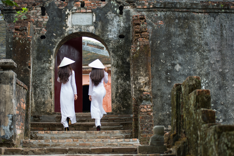 The charm of Ao Dai in Vietnam and its history over the times