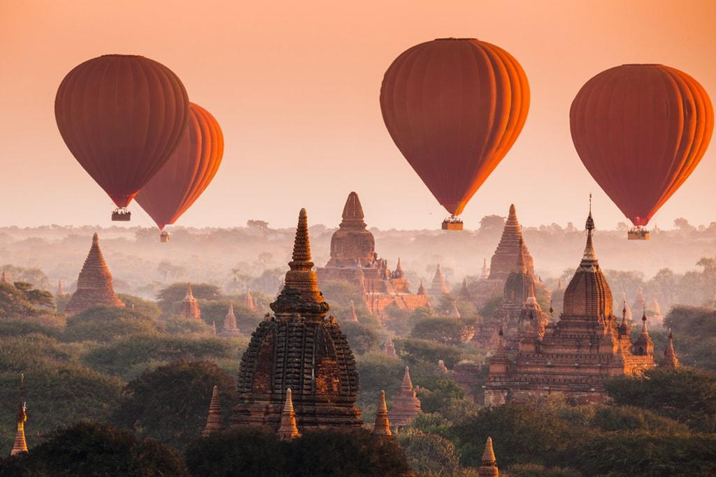 Bagan Hot Air Balloon is available only from October to April