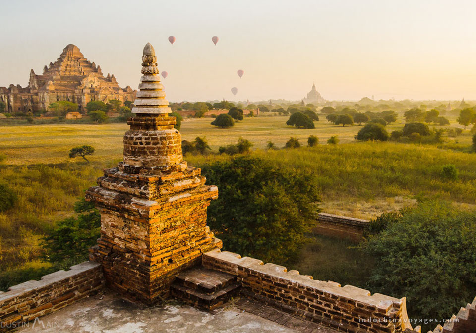 Amazing hot air balloon rides over Bagan Myanmar