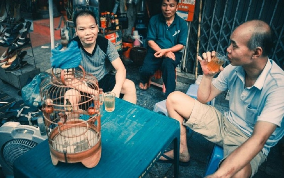Tea-stand in the 80s in Hanoi