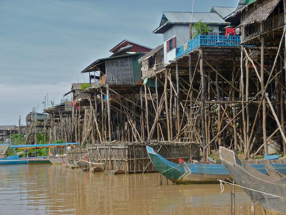 Kampong Khleang Village