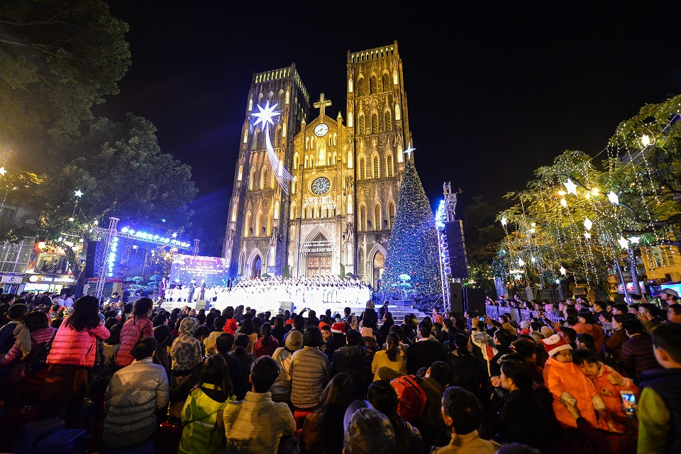 The best place to celebrate and pray in Christmas 2018 in Hanoi