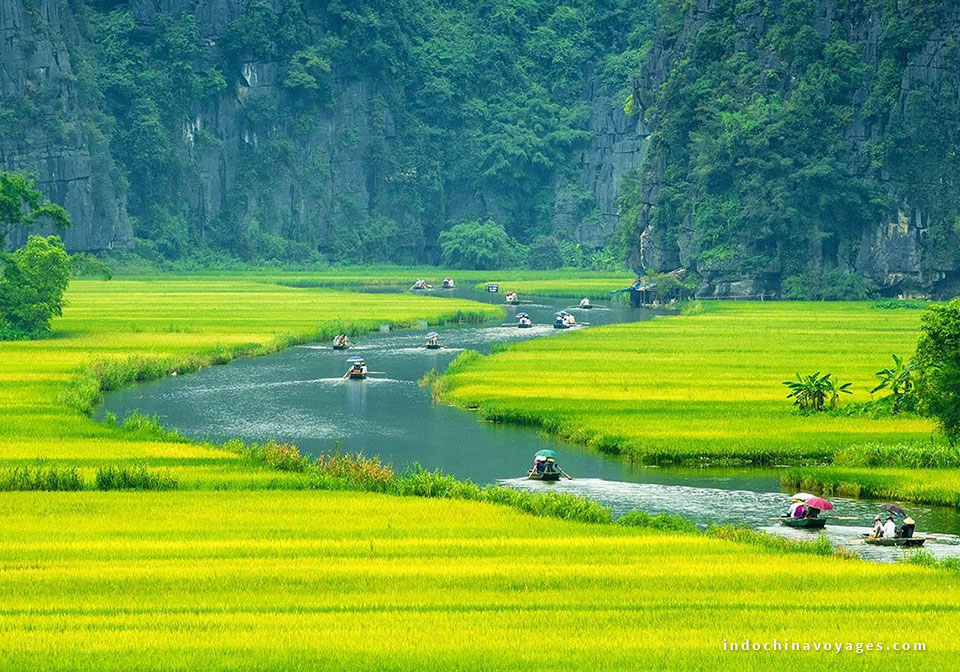 Trang An Vietnam – Top travel destination for your North Vietnam tours