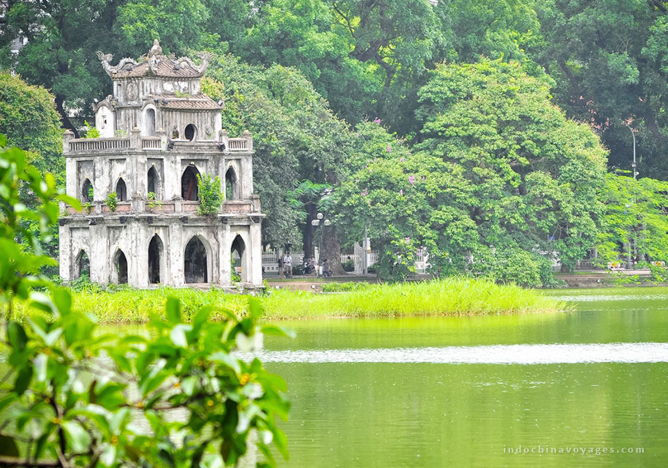 vietnam_itinerary_2_weeks_hoan_kiem_lake