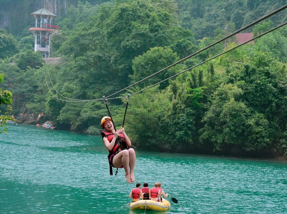 vietnam_family_tour_packages_zipline