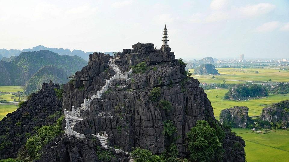 mini Great Wall of Mua Cave