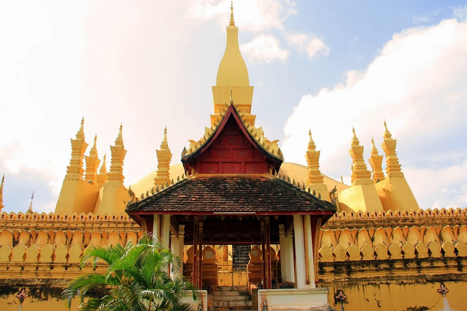 gold covered Pha That Luang