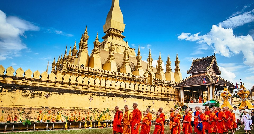 Pha That Luang in November