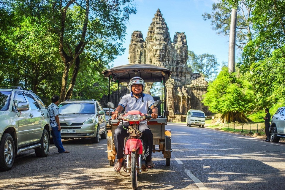 Angkor Wat tour – By car, bike or Tuk Tuk?