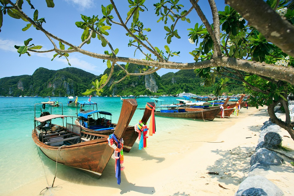 Phi Phi Island Tour – One of the most beautiful islands in Thailand