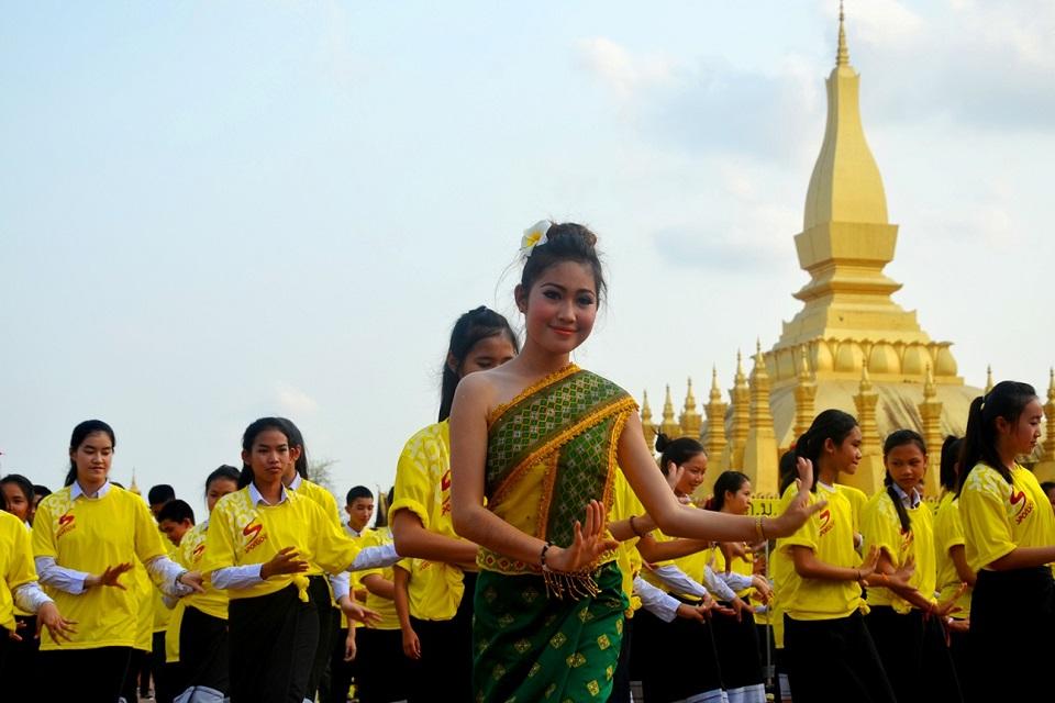 Lam Vong dance