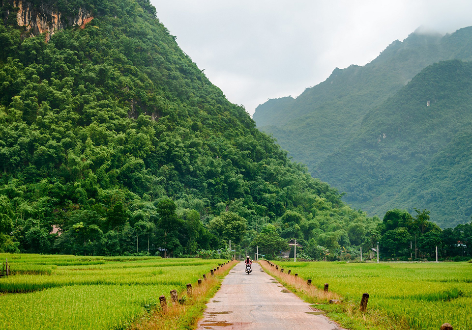 On the road to Mai Chau