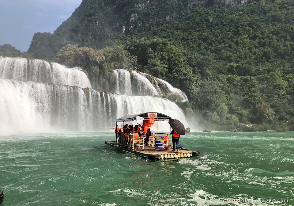 Bamboo raft to Ban Gioc waterfall