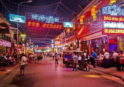 Pub Street in Siem Reap – The nightlife hub of the town