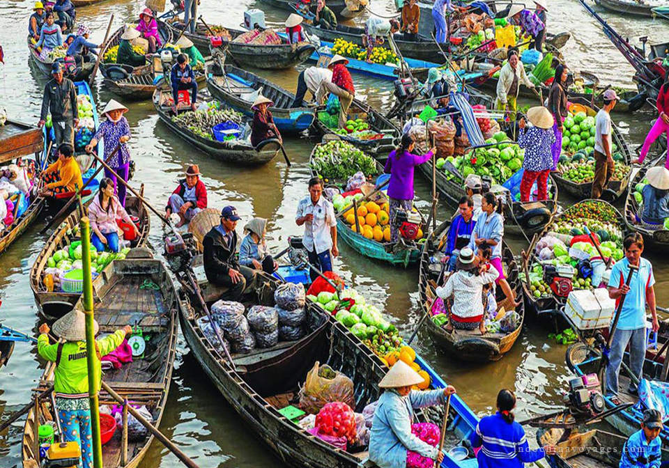 Cai Be floating market