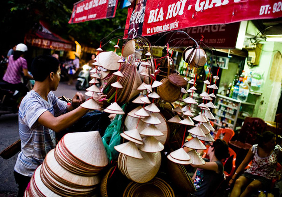 Top tips to buy the best souvenirs in Vietnam